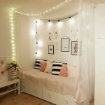 22 Best DIY Crafts for Bedroom Walls (18)