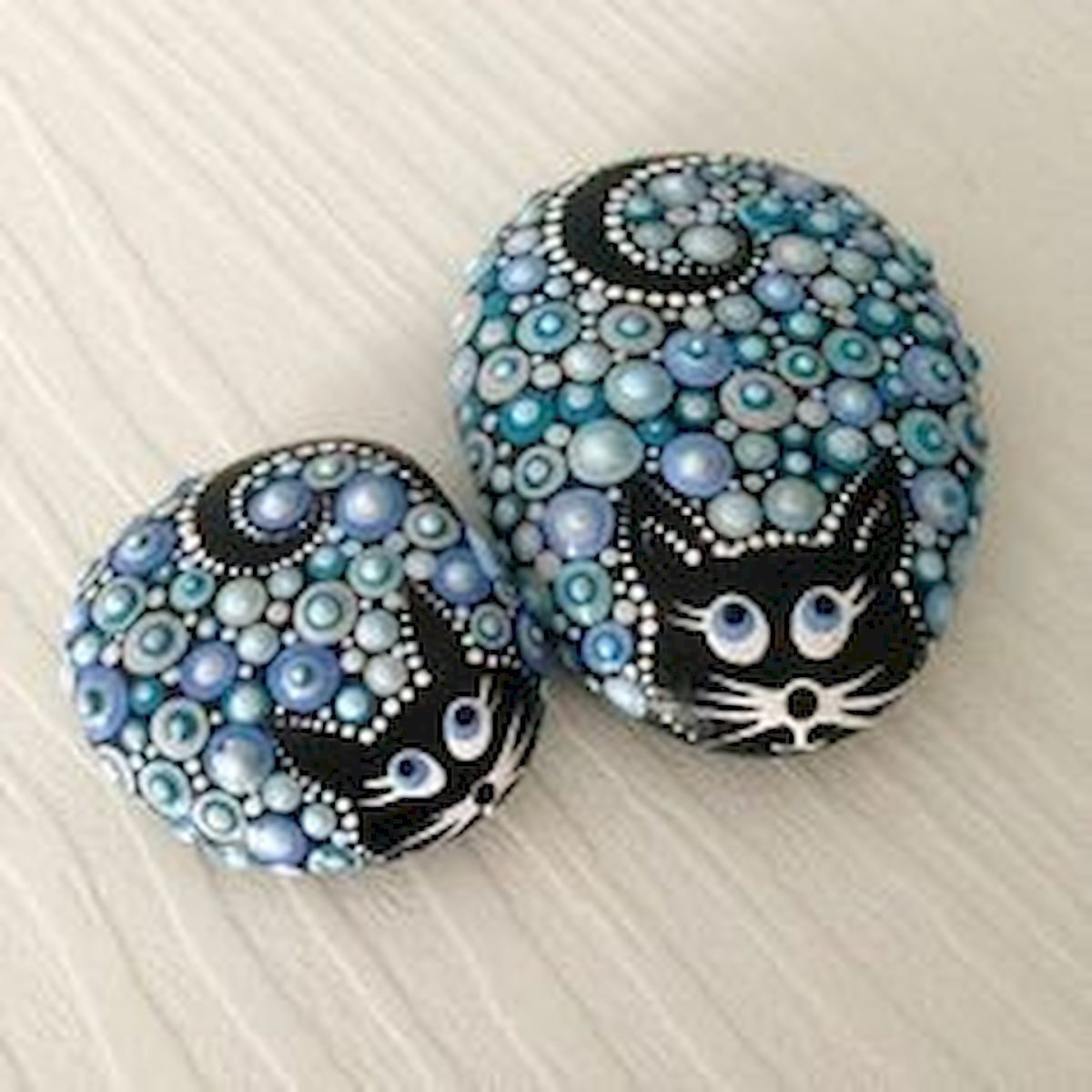 50 Best DIY Painted Rocks Animals Cats for Summer Ideas (41)