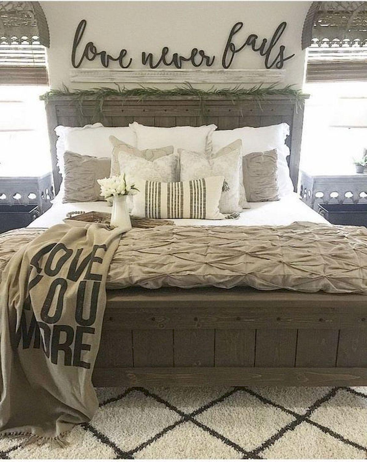 55 Romantic DIY Bedroom Decor for Couple (15)
