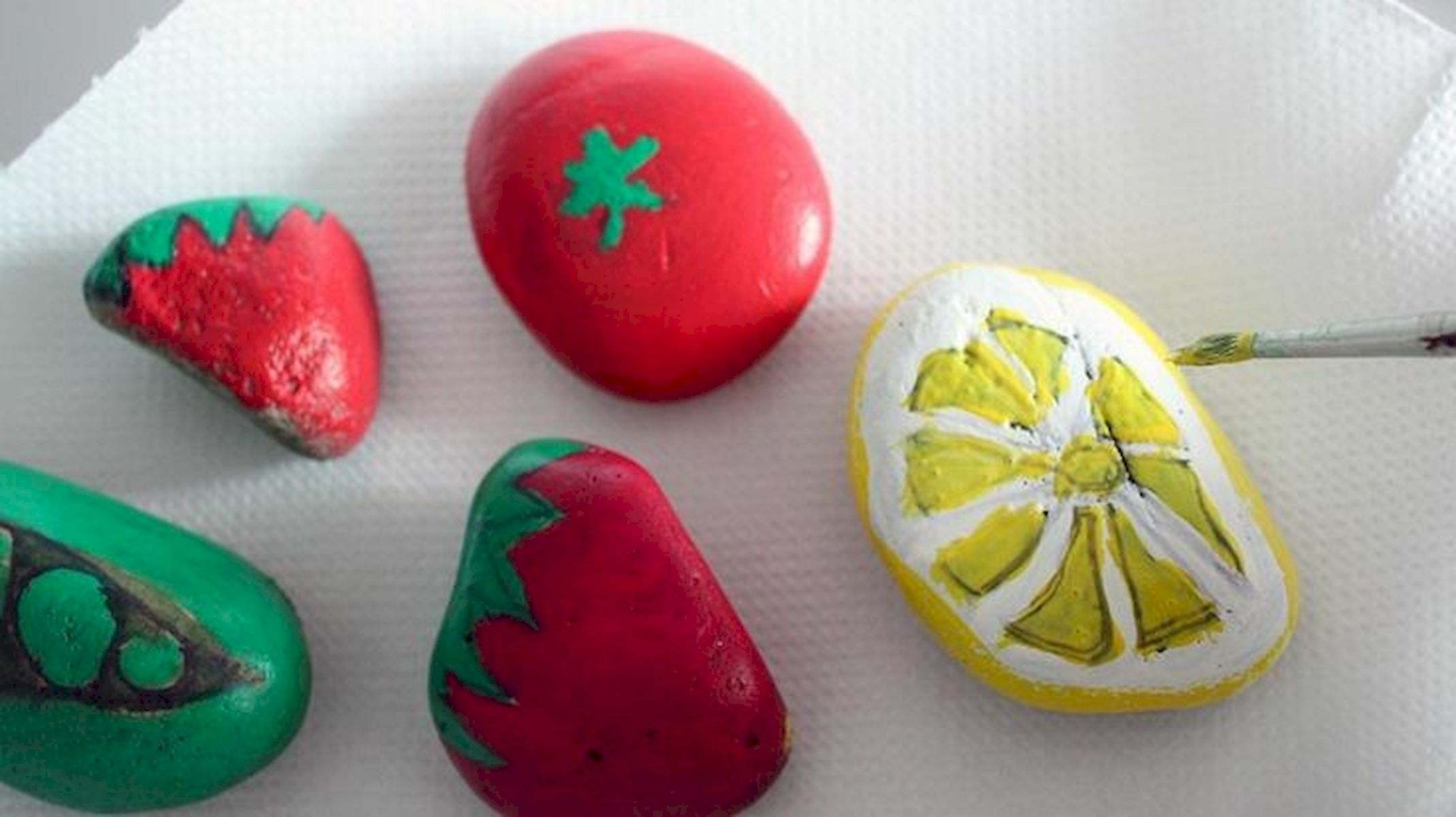 40 Awesome DIY Painted Rocks Fruits Ideas (6)