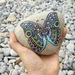 55 Cute DIY Painted Rocks Animals Butterfly Ideas (11)