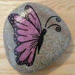 55 Cute DIY Painted Rocks Animals Butterfly Ideas (26)