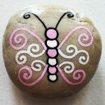 55 Cute DIY Painted Rocks Animals Butterfly Ideas (32)
