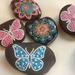 55 Cute DIY Painted Rocks Animals Butterfly Ideas (42)