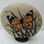 55 Cute DIY Painted Rocks Animals Butterfly Ideas (44)