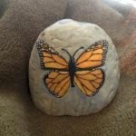 55 Cute DIY Painted Rocks Animals Butterfly Ideas (46)