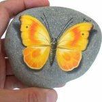 55 Cute DIY Painted Rocks Animals Butterfly Ideas (49)