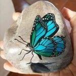 55 Cute DIY Painted Rocks Animals Butterfly Ideas (51)