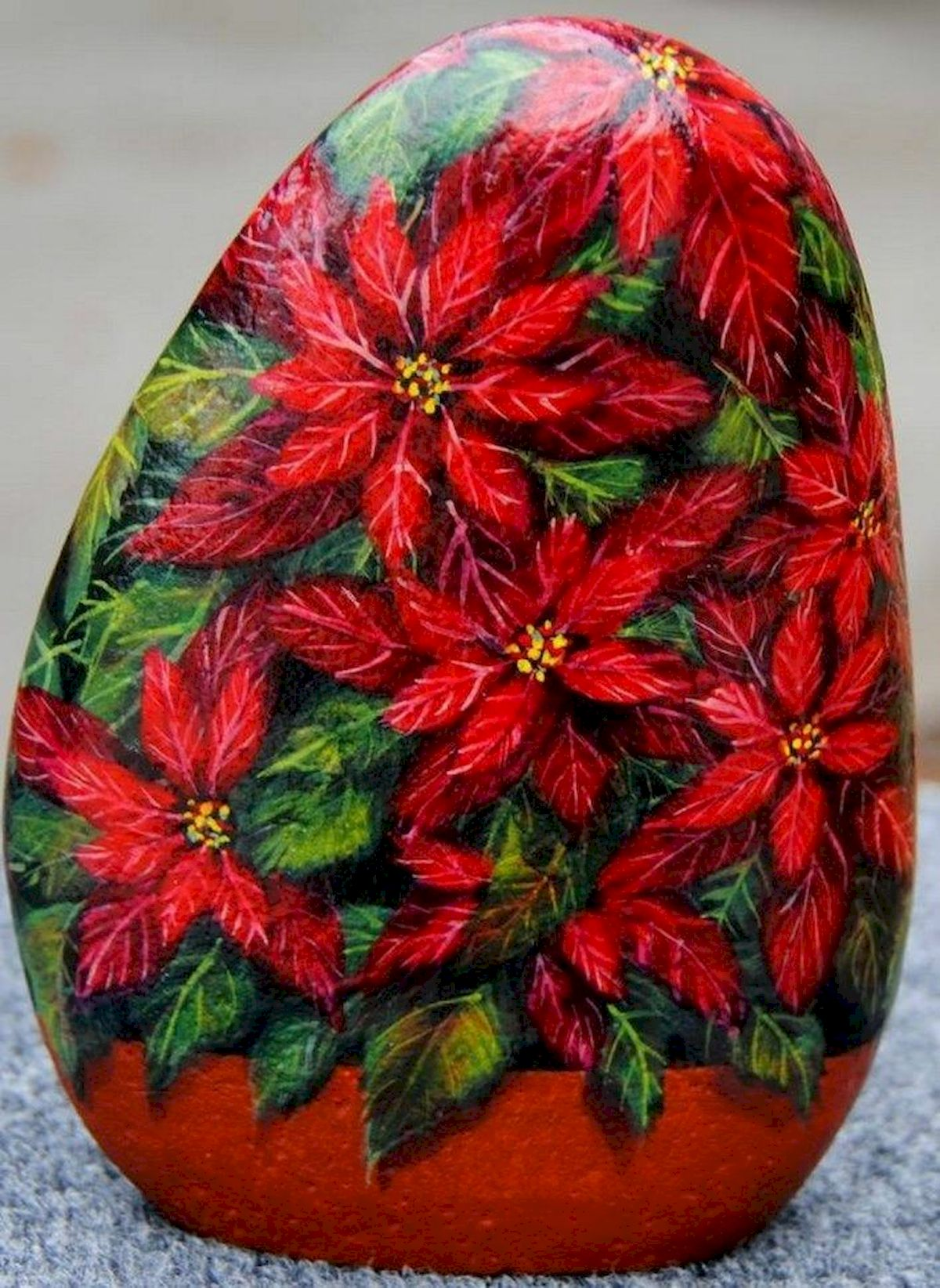 60+ Beautiful DIY Painted Rocks Flowers Ideas (11)