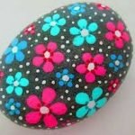 60+ Beautiful DIY Painted Rocks Flowers Ideas (12)