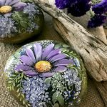 60+ Beautiful DIY Painted Rocks Flowers Ideas (21)