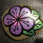 60+ Beautiful DIY Painted Rocks Flowers Ideas (22)