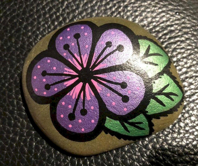 60+ Beautiful DIY Painted Rocks Flowers Ideas (22)