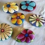 60+ Beautiful DIY Painted Rocks Flowers Ideas (27)