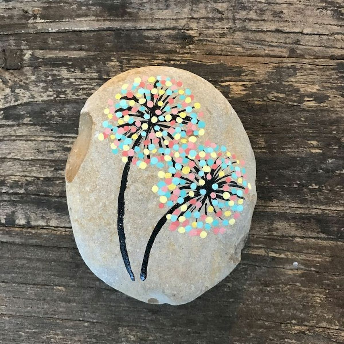 60+ Beautiful DIY Painted Rocks Flowers Ideas (29)
