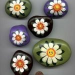 60+ Beautiful DIY Painted Rocks Flowers Ideas (3)