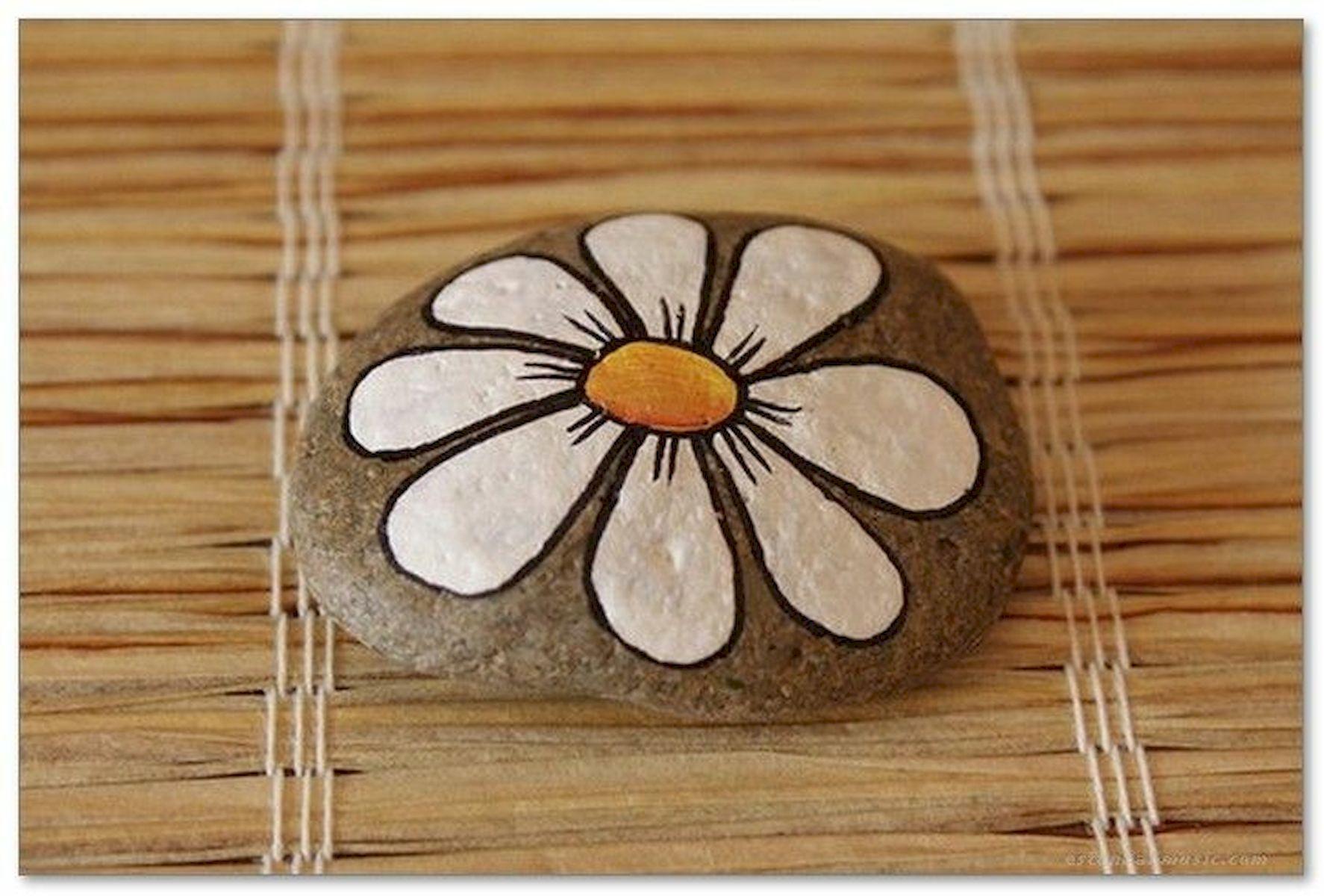 60+ Beautiful DIY Painted Rocks Flowers Ideas (41)