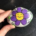60+ Beautiful DIY Painted Rocks Flowers Ideas (43)