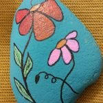 60+ Beautiful DIY Painted Rocks Flowers Ideas (48)