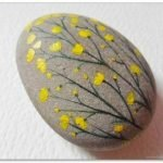 60+ Beautiful DIY Painted Rocks Flowers Ideas (52)