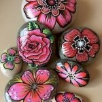 60+ Beautiful DIY Painted Rocks Flowers Ideas (56)