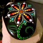 60+ Beautiful DIY Painted Rocks Flowers Ideas (8)