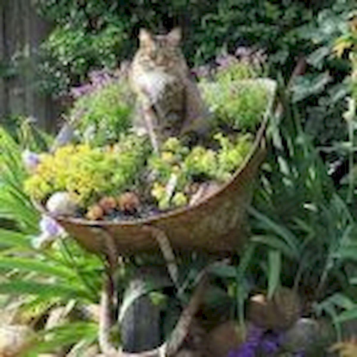 60 Creative DIY Garden Art From Junk Design Ideas (11)