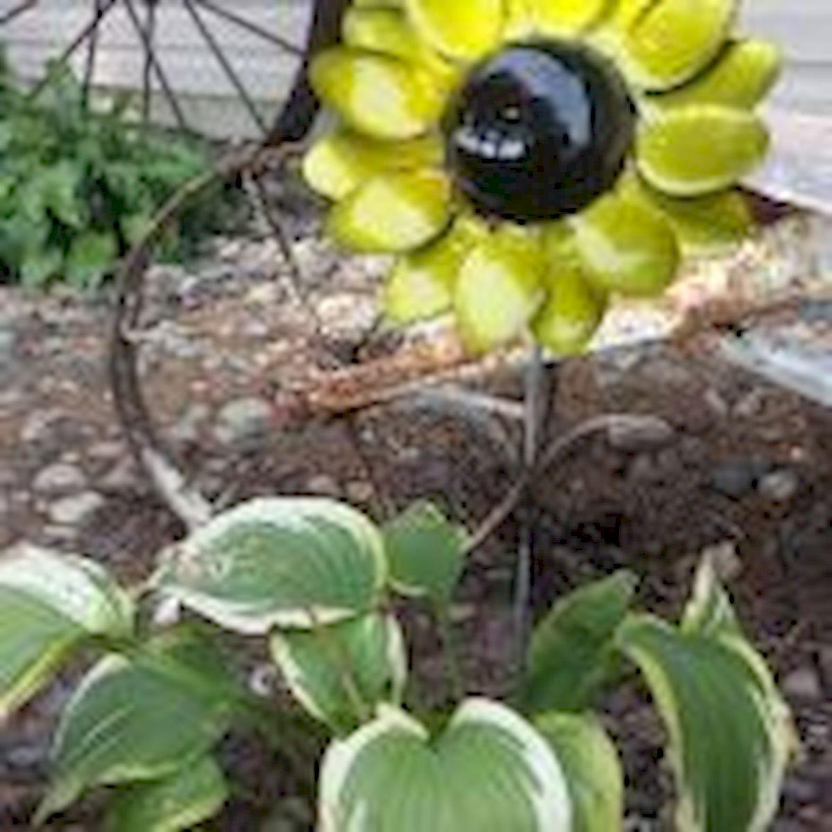 60 Creative DIY Garden Art From Junk Design Ideas (31)