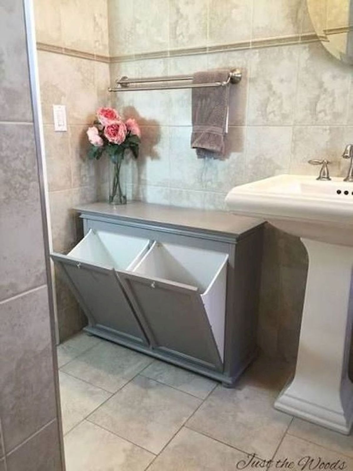 50 Best DIY Storage Design Ideas to Maximize Your Small Bathroom Space (36)