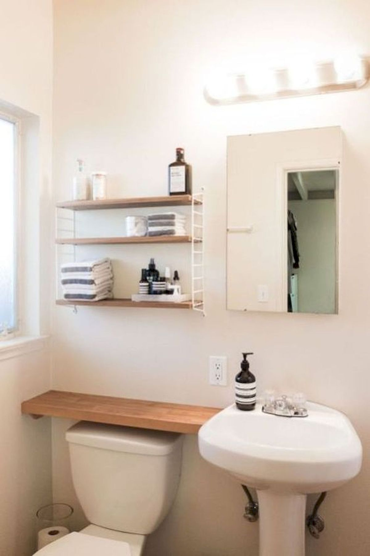 50 Best DIY Storage Design Ideas to Maximize Your Small Bathroom Space (39)
