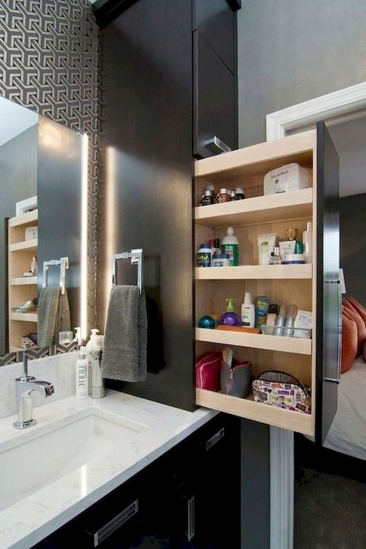 50 Best DIY Storage Design Ideas to Maximize Your Small Bathroom Space (47)