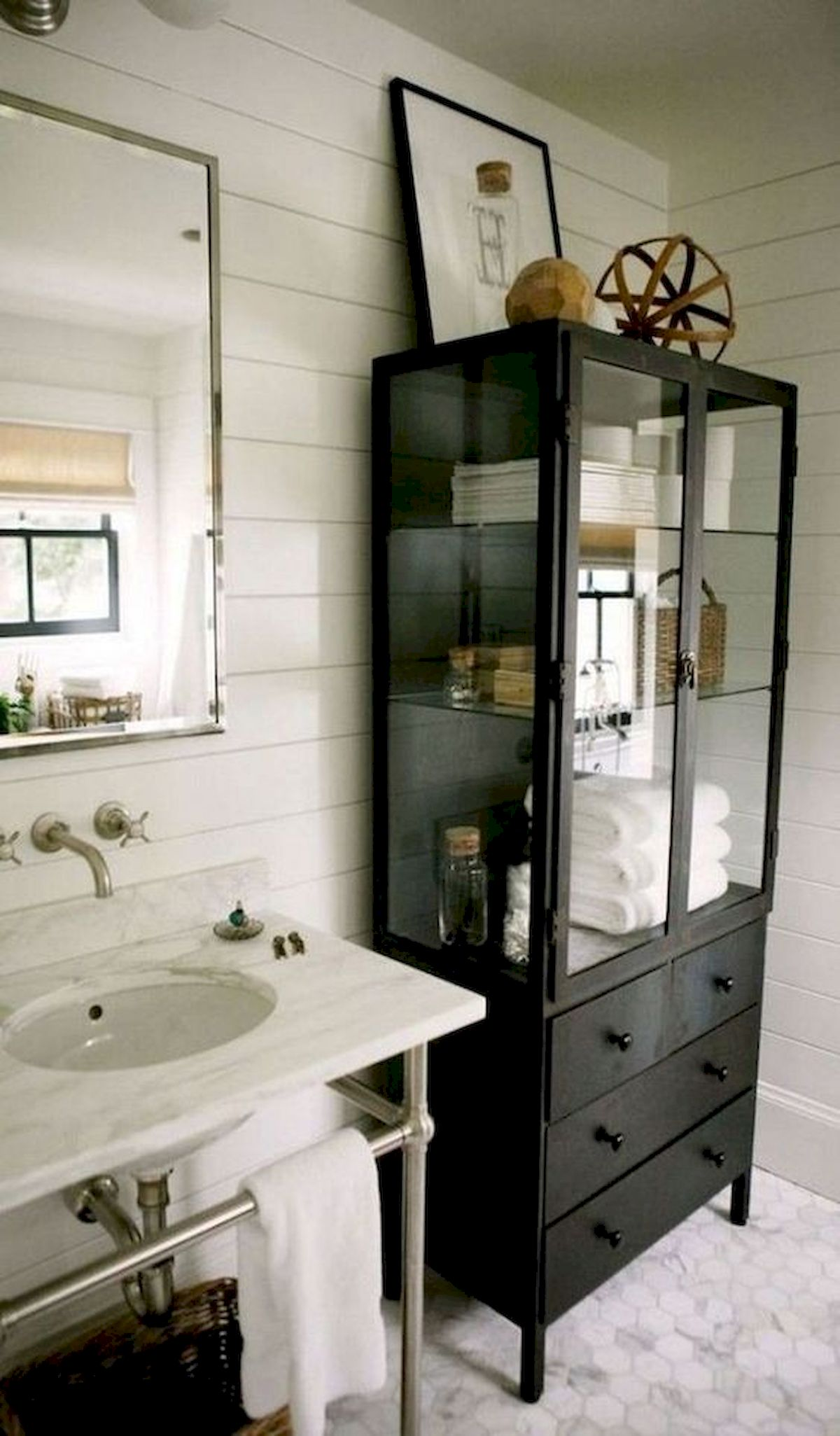50 Best DIY Storage Design Ideas to Maximize Your Small Bathroom Space (49)