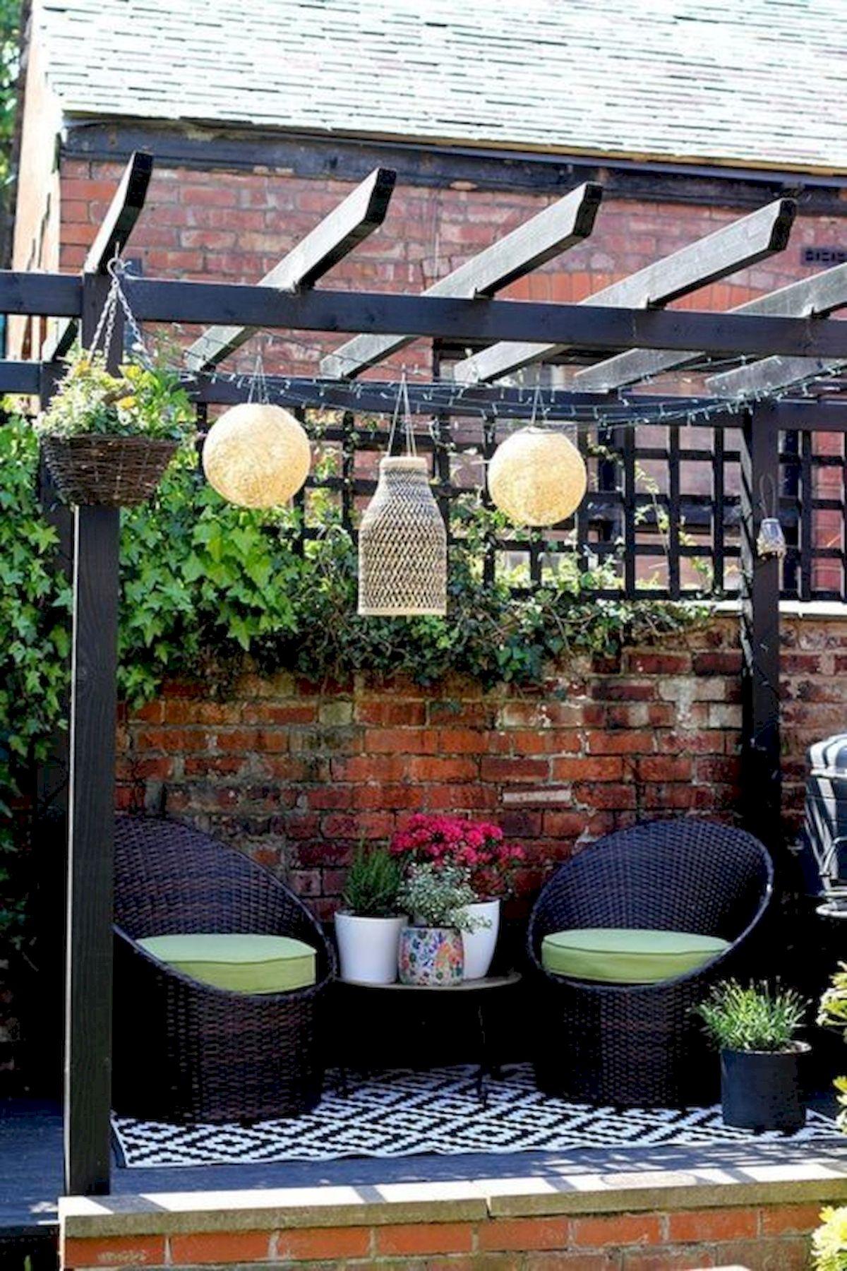 50 Awesome DIY Hanging Plants Ideas For Modern Backyard Garden (49)