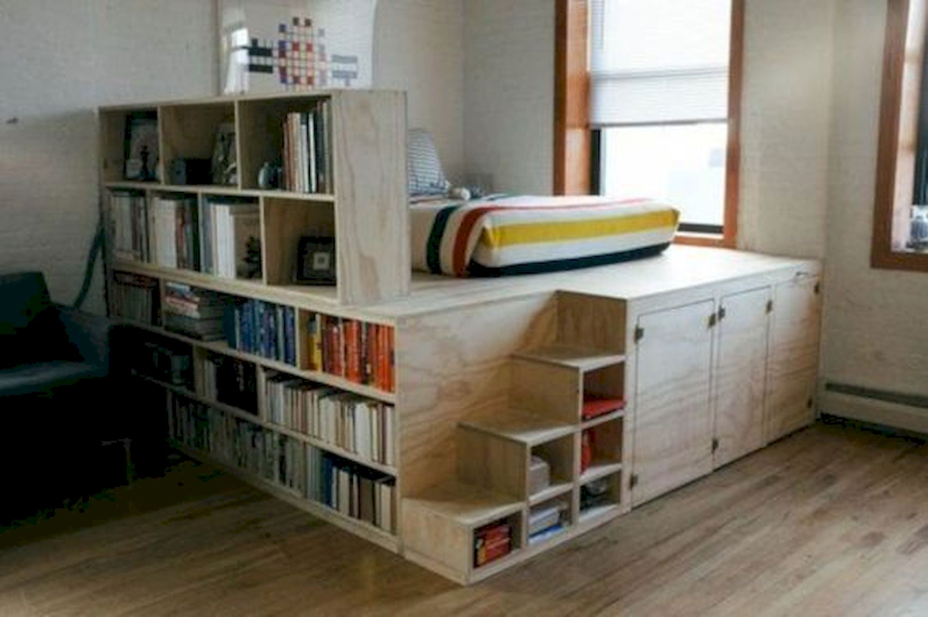 60 Easy and Brilliant DIY Storage Ideas For Small Bedroom (23)