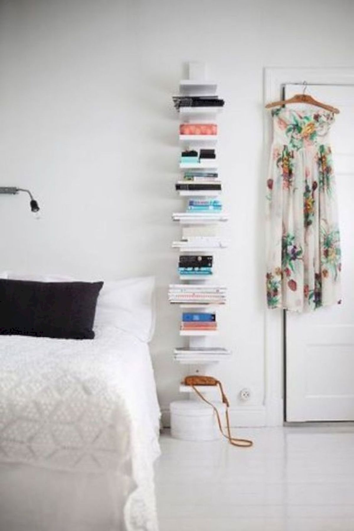 60 Easy and Brilliant DIY Storage Ideas For Small Bedroom (34)