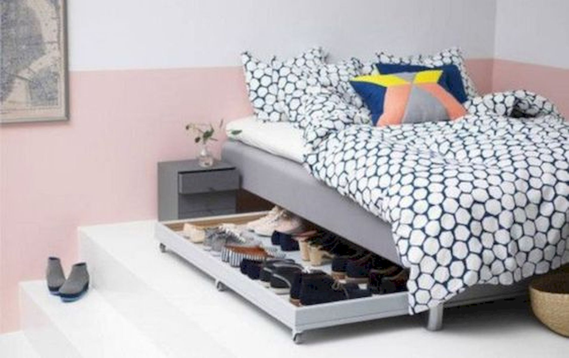 60 Easy and Brilliant DIY Storage Ideas For Small Bedroom (6)