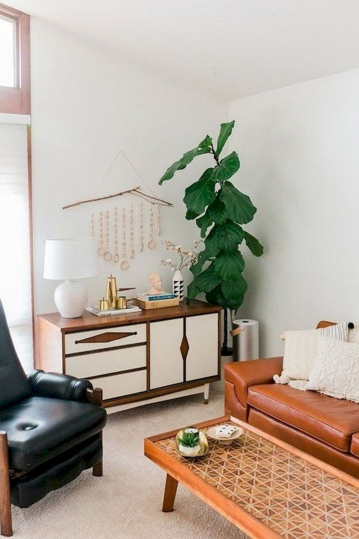 45 Brilliant DIY Living Room Design and Decor Ideas for Small Apartment (6)
