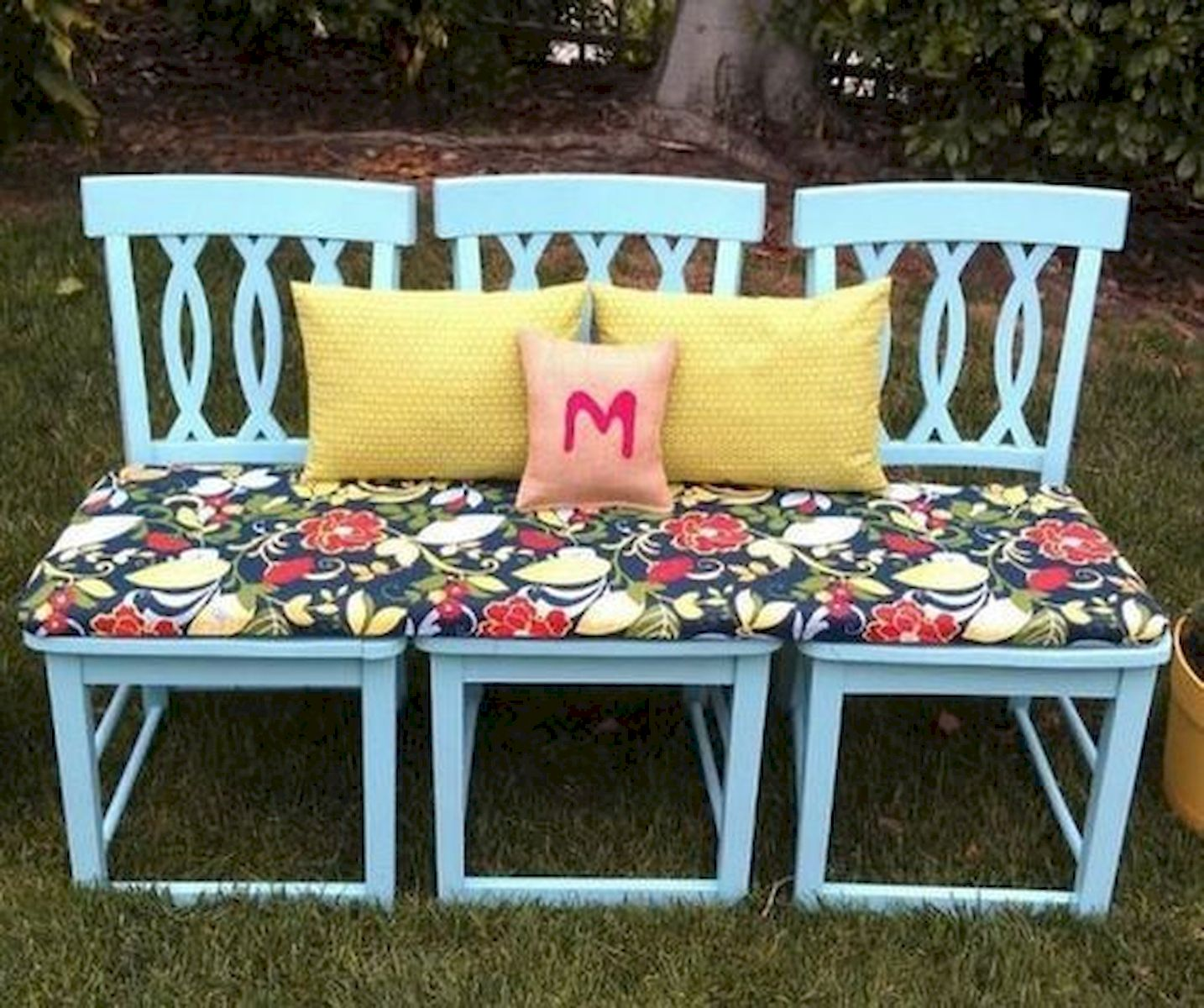 50 DIY Relaxing Chairs Design Ideas That Will Make Your Home Look Great (15)