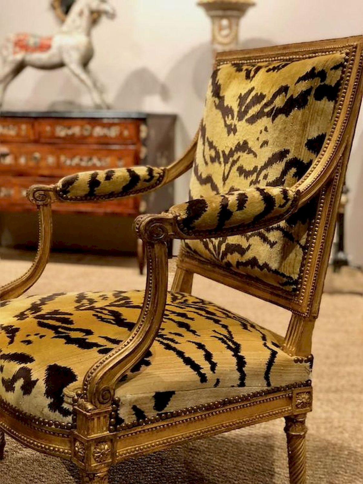 50 DIY Relaxing Chairs Design Ideas That Will Make Your Home Look Great (22)