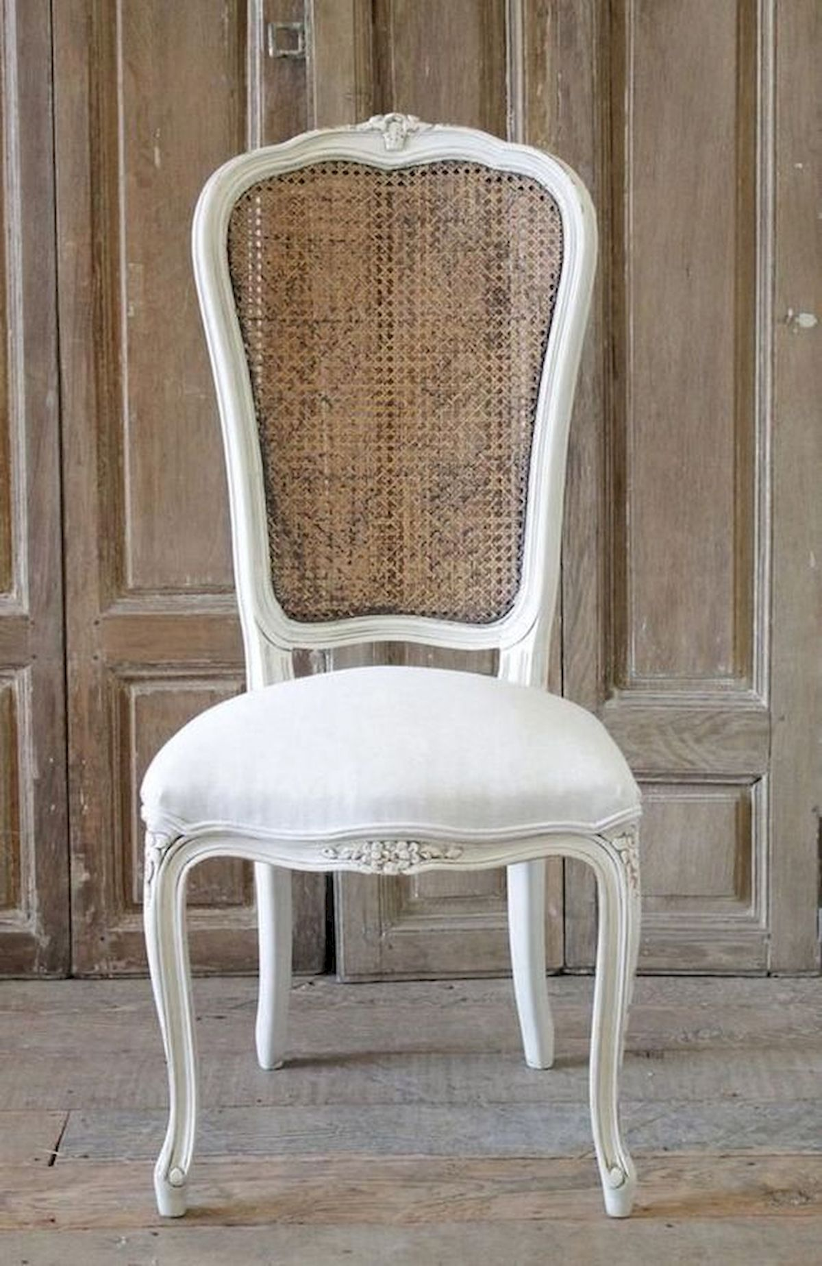 50 DIY Relaxing Chairs Design Ideas That Will Make Your Home Look Great (32)
