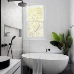 50 Fantastic DIY Modern Farmhouse Bathroom Remodel Ideas (27)