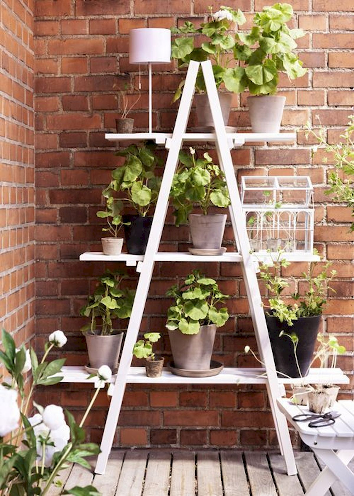 44 Creative DIY Vertical Garden Ideas To Make Your Home Beautiful (12)