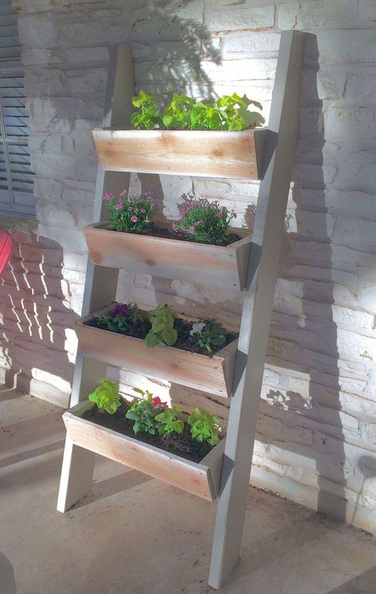 44 Creative DIY Vertical Garden Ideas To Make Your Home Beautiful (16)