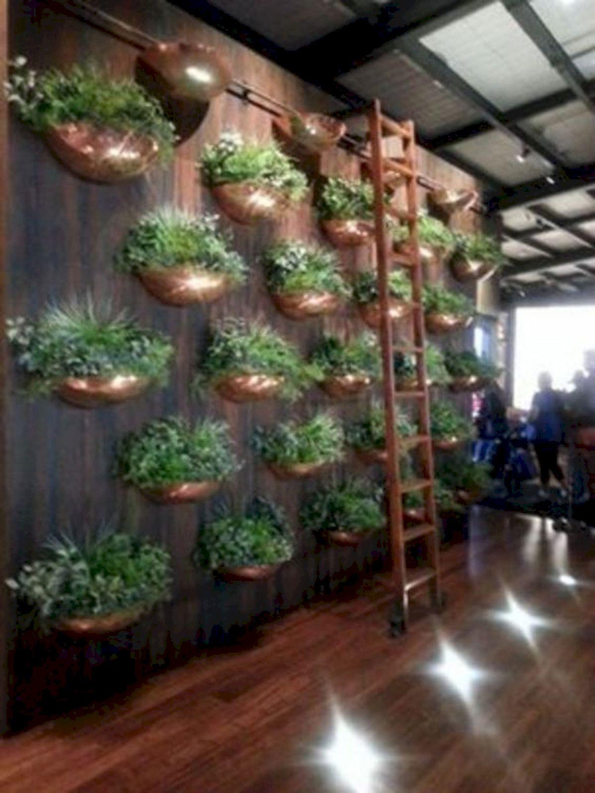44 Creative DIY Vertical Garden Ideas To Make Your Home Beautiful (25)
