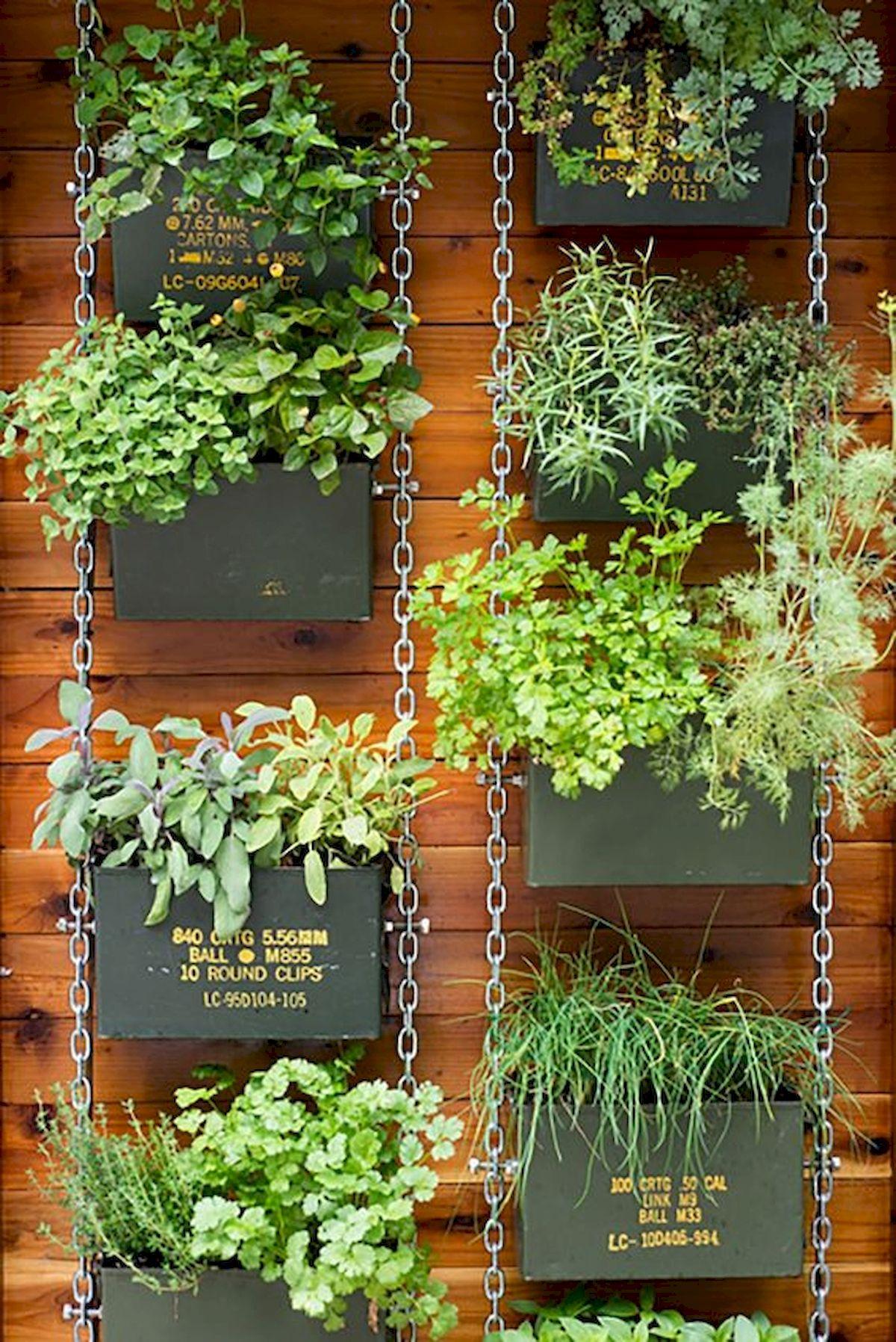44 Creative DIY Vertical Garden Ideas To Make Your Home Beautiful (30)