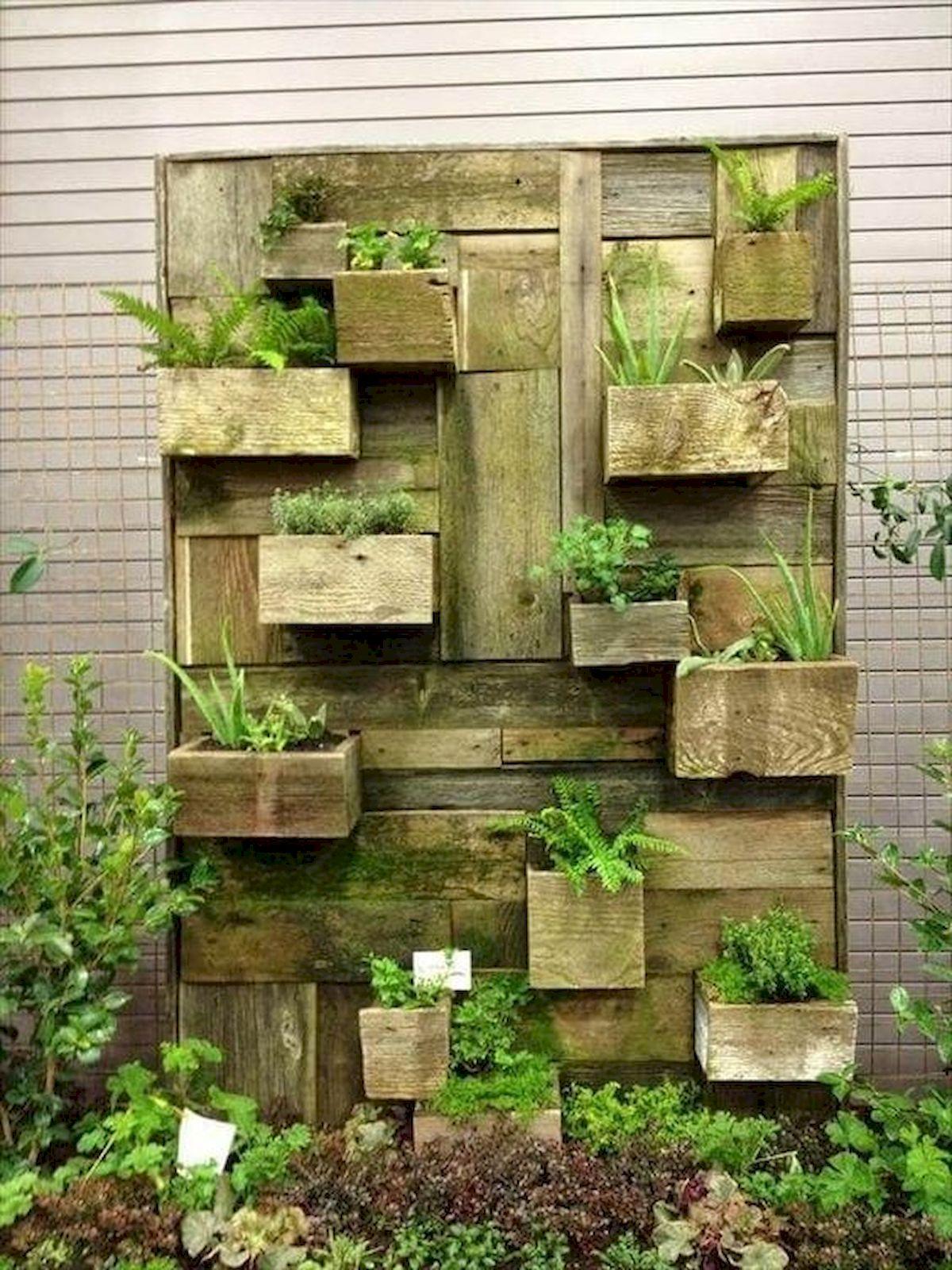 44 Creative DIY Vertical Garden Ideas To Make Your Home Beautiful (41)