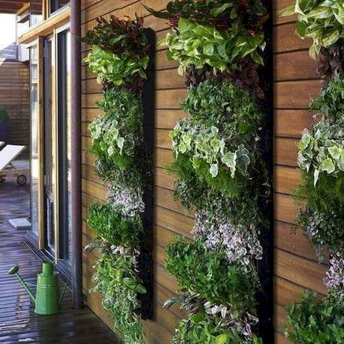 44 Creative DIY Vertical Garden Ideas To Make Your Home Beautiful (42)