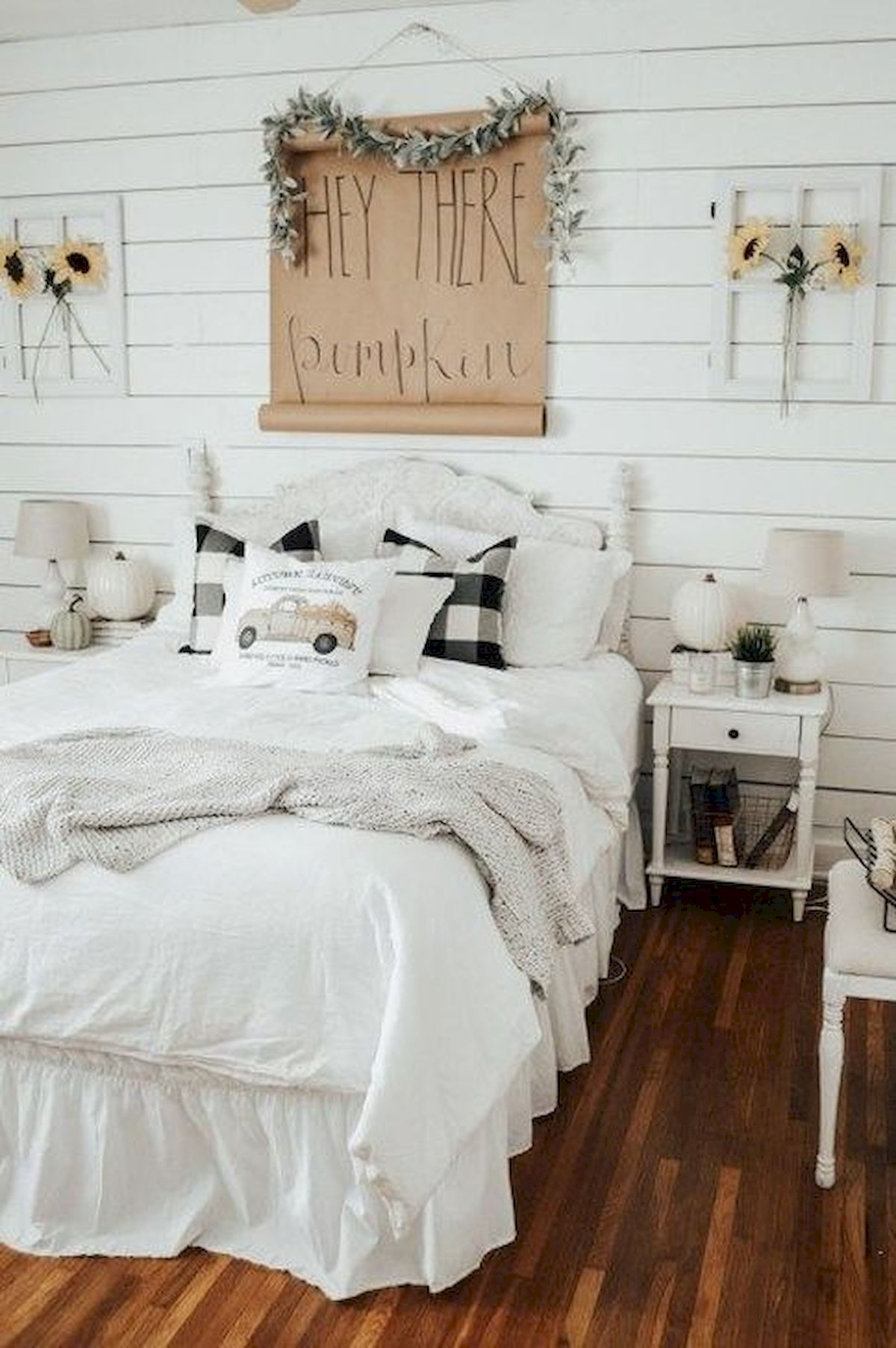 30 Awesome DIY Fall Decoration Ideas For Your Bedroom (14)