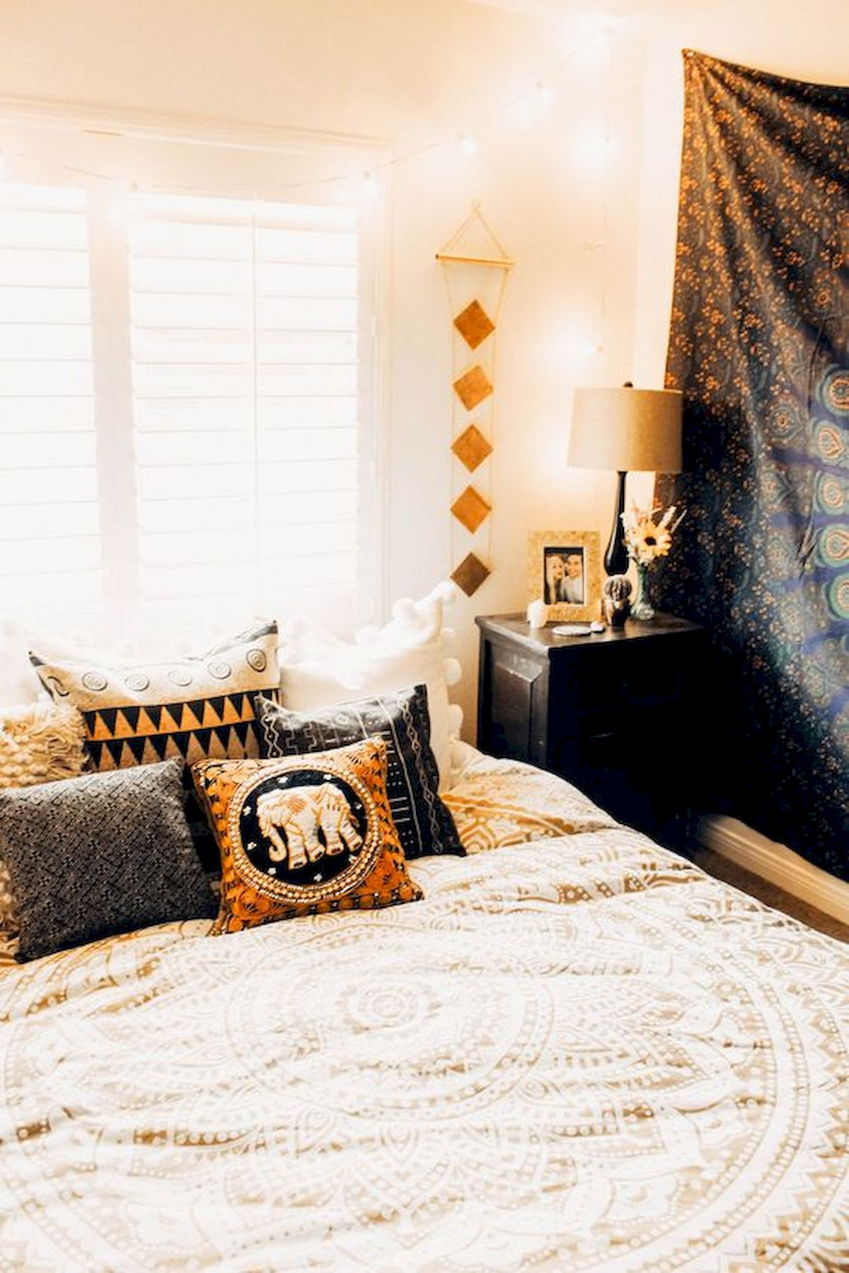 30 Awesome DIY Fall Decoration Ideas For Your Bedroom (29)