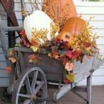 35 Beautiful DIY Fall Outdoor Decor Ideas You Will Like (10)